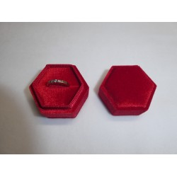 Ringendoosje zeshoek fluweel rood