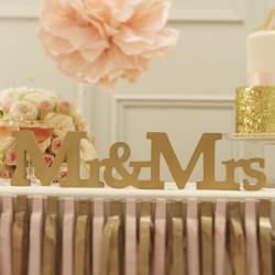Houten letters Mr & Mrs Goud