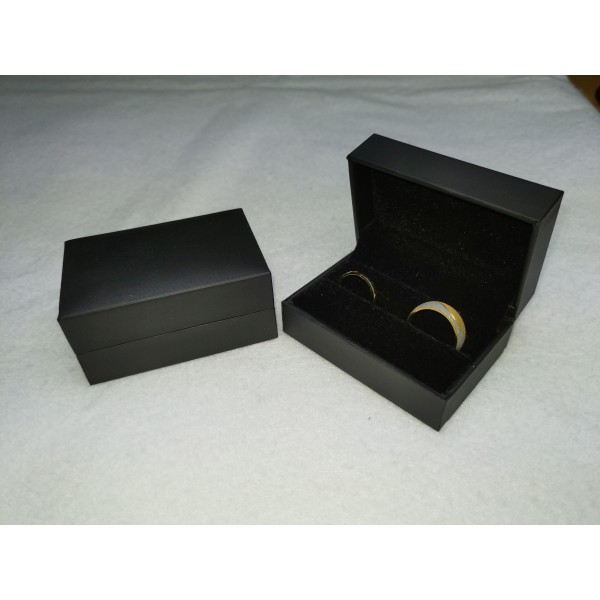 Ringendoosje lederlook zwart 2 ringen