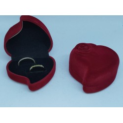 Ringendoosje hart donkerrood bloem 2 ringen
