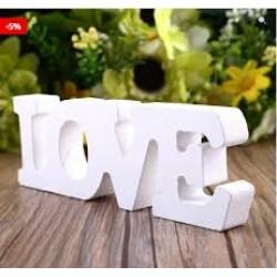 Houten letters 'Love'
