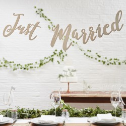 Houten letterslinger 'Just Married'