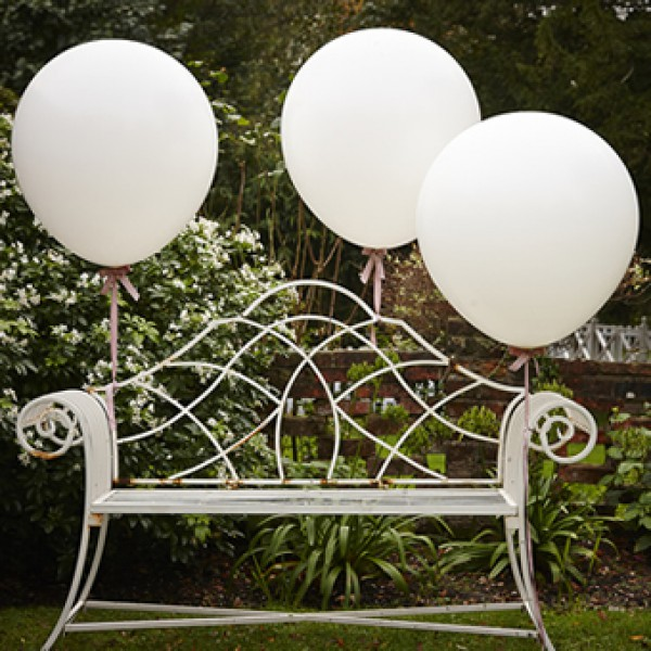 Mega ballonnen wit  3 stuks
