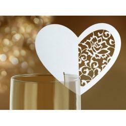 Plaatsnaamkaartjes hearts op glas